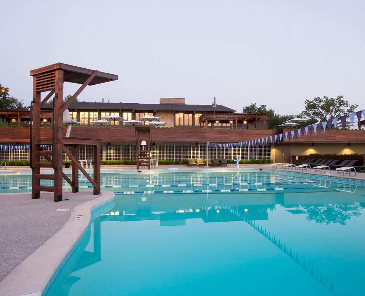 woodside-kansas-city-gym-with-outdoor-pools