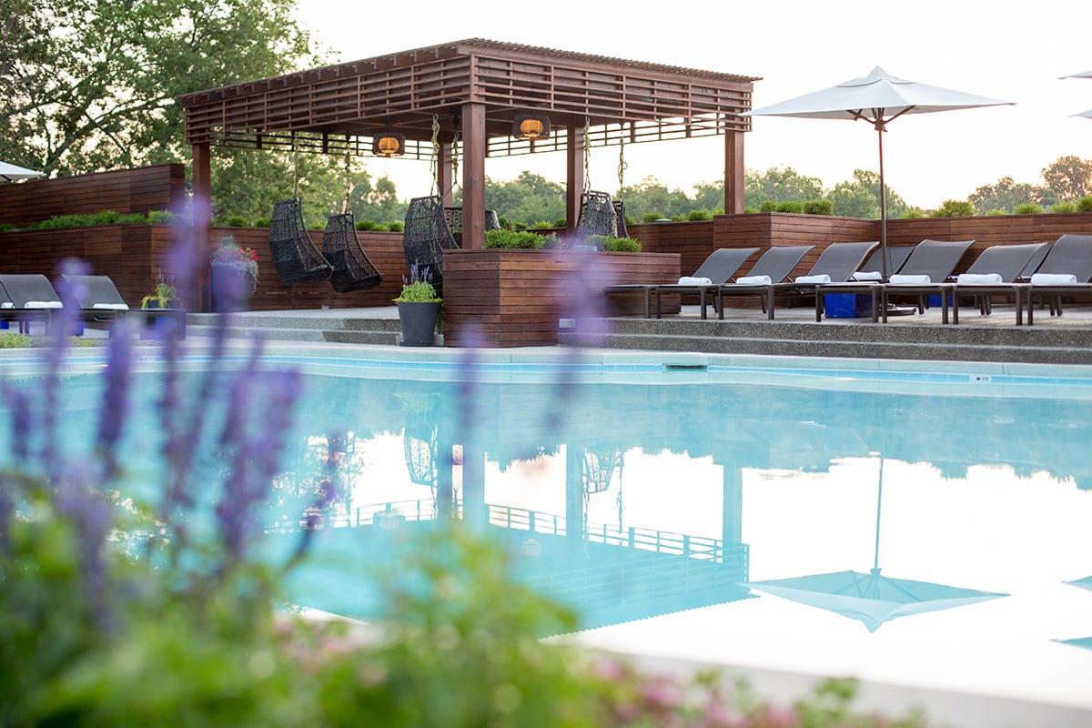 woodside-kansas-city-health-club-with-adult-pools